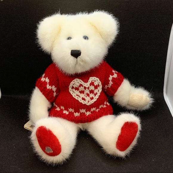 "Boyds Bears ""Bashful T. Bearhugs"" Valentine Bear"